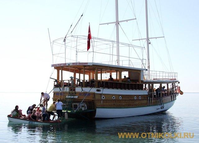 Экскурсия на кораблике